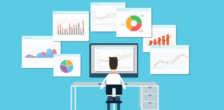 profissional olhando para dashboards de negócio, fazendo uma análise sistemática de dados, uma das tendências do BPM.
